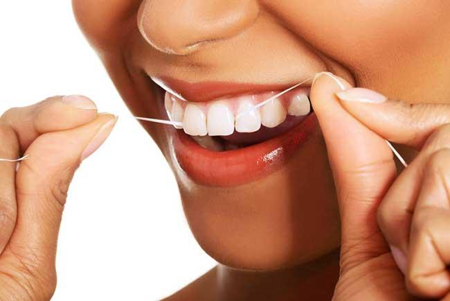 Prophylaxe ersetzt nicht die häusliche Zahnpflege